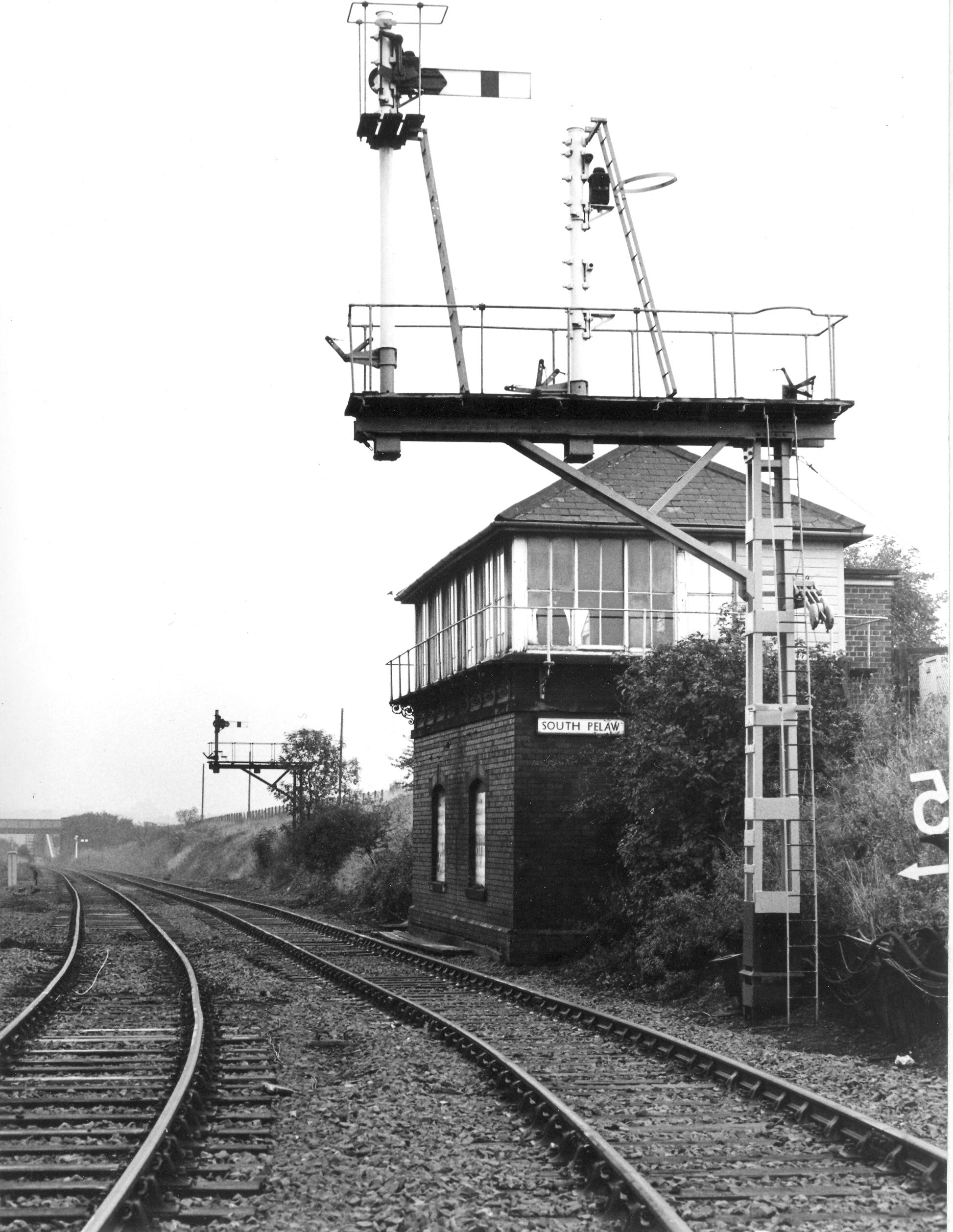 1982 South Pelaw Signal Box looking east JA2911