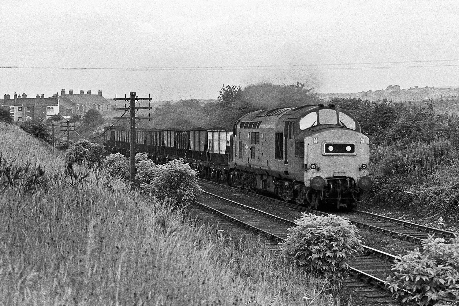 37242 Pelton 1977, coal train