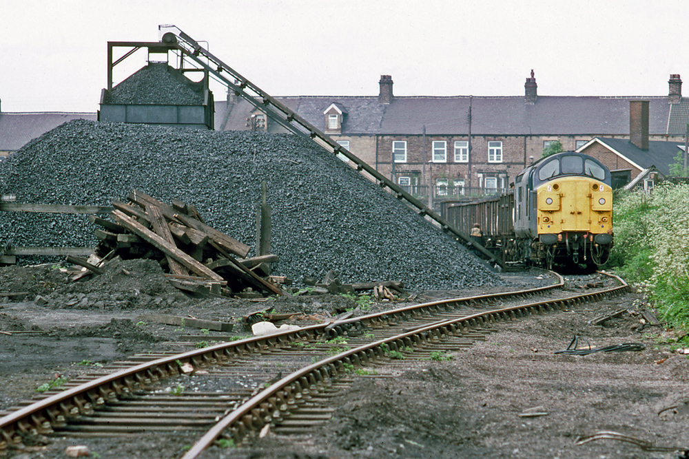 Consett coal depot 17-6-83 37 079