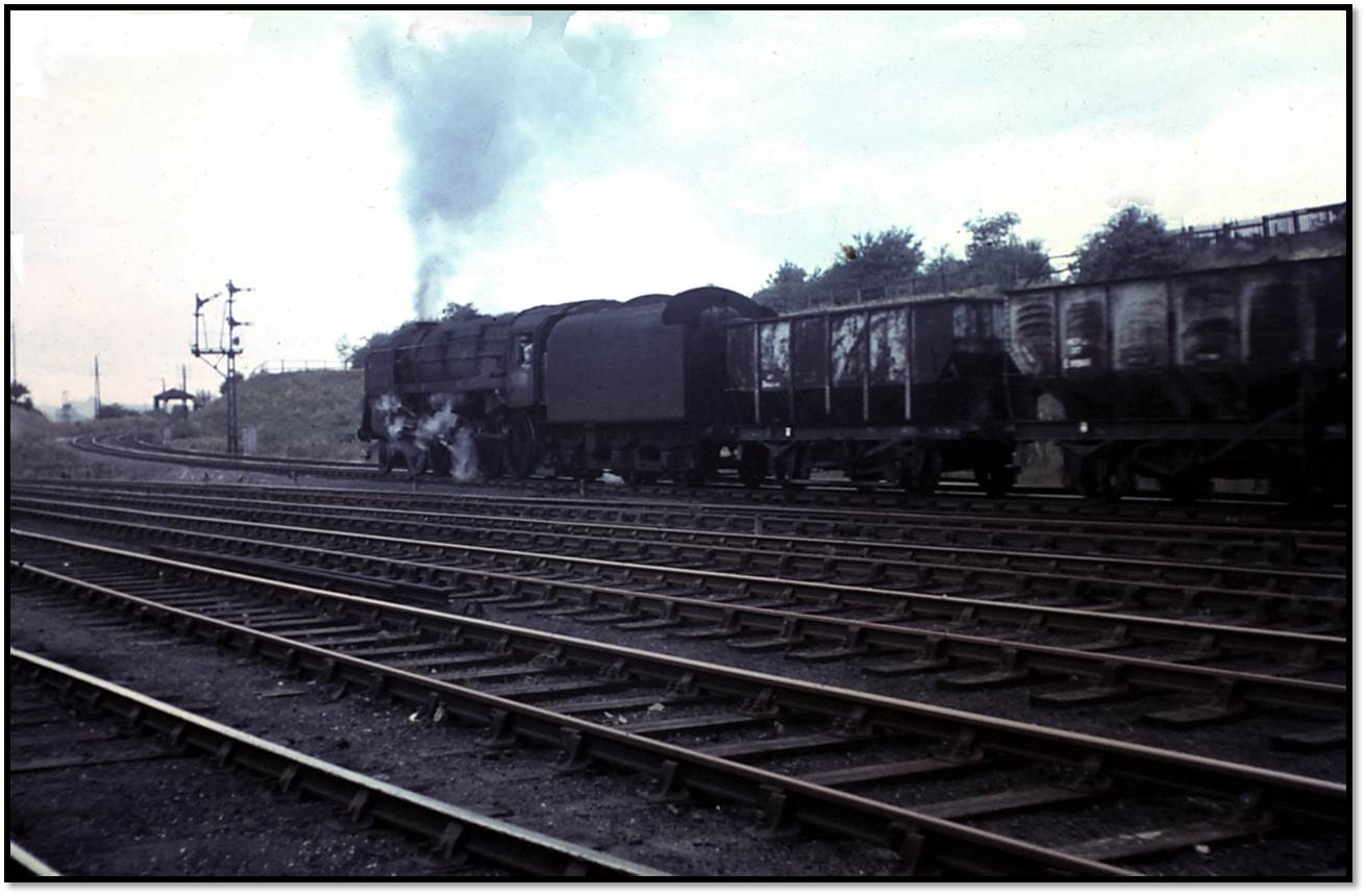 Tyne Dock 9F 92060 heads up the incline at Pelaw Junction on 8 September 1966