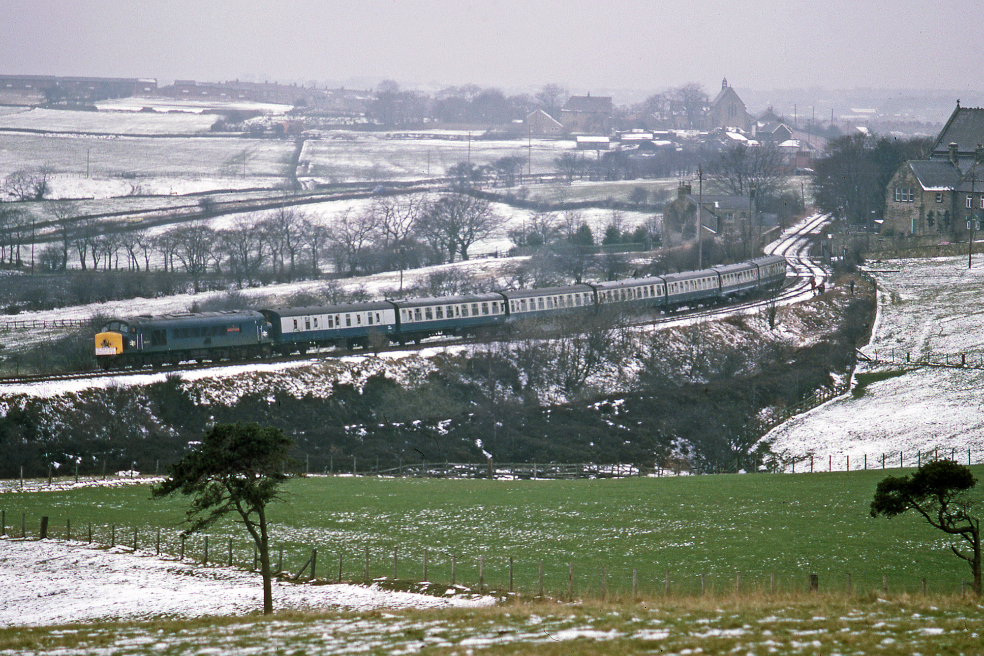 46026 and it's train round Brooms Curve between Annfield Plain and Leadgate. Photo copyright Stephen McGahon