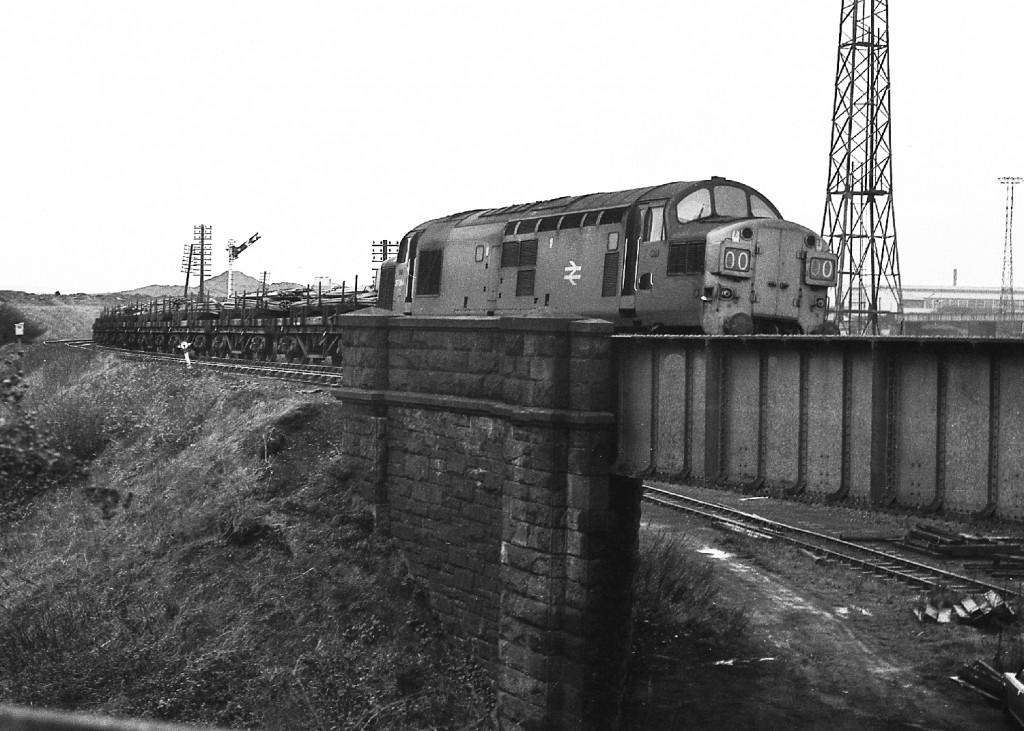 37064 Consett 2-11-76, steel train