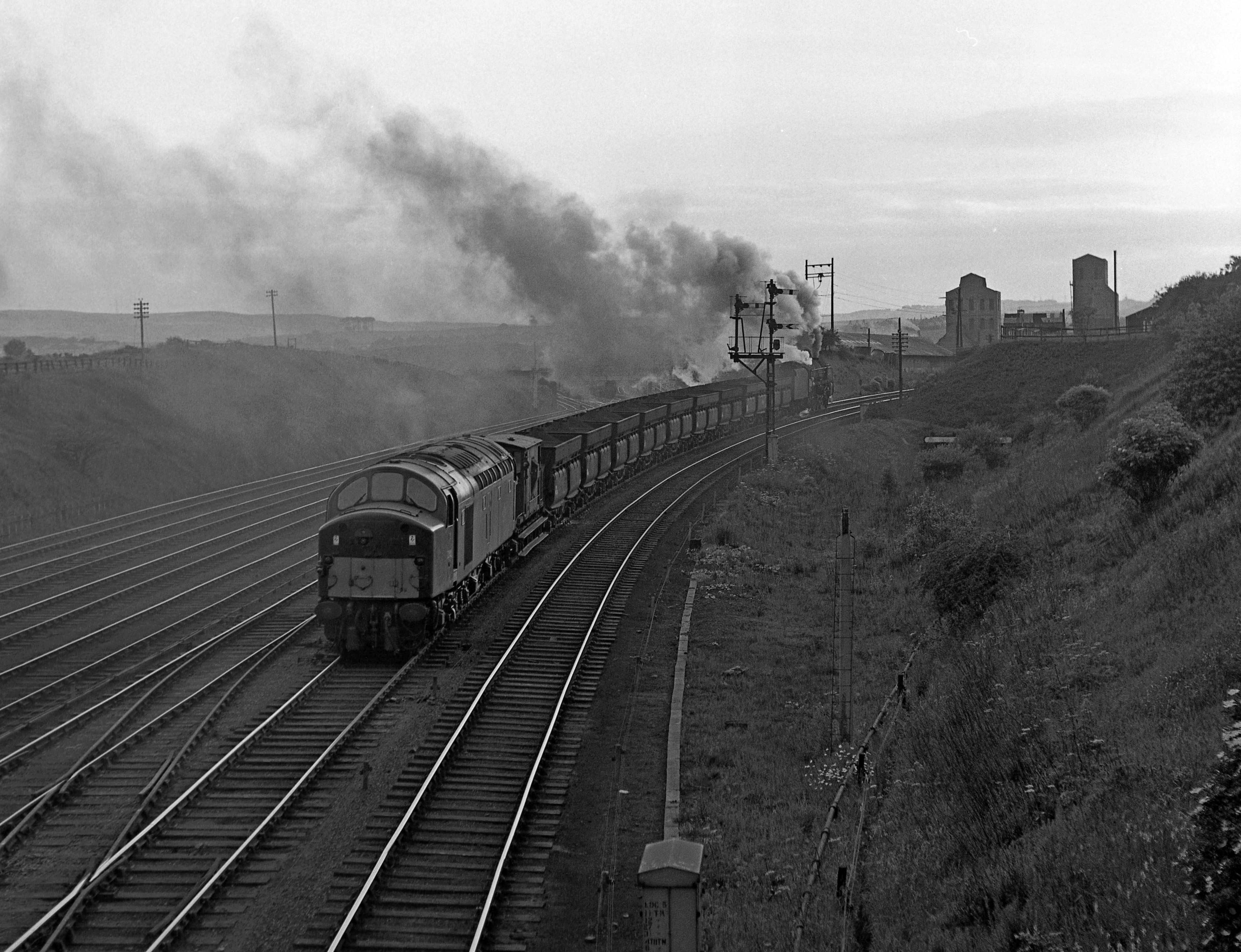D242_1960s_South_Pelaw_Junction_banking_9F_on_Consett_hoppers_up_to_Medomsley-ROneg-031-(ZF-3364-56016-1-002)