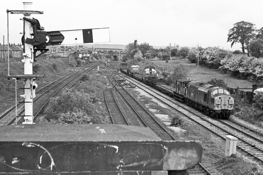 The same train shown above has negotiated South Pelaw Junction and is now heading down towards Ouston Junction. Photo copyright Stephen McGahon.