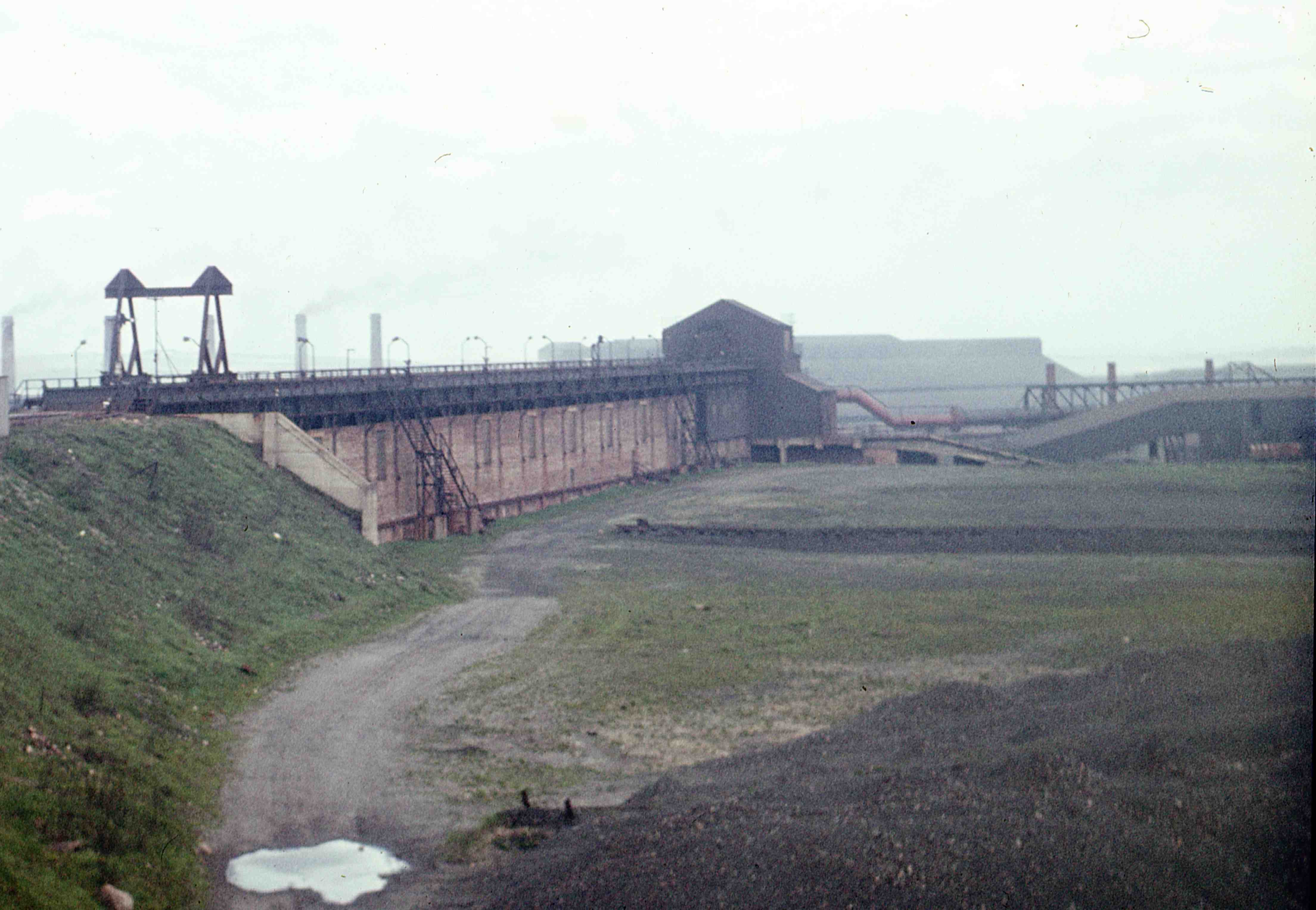 al_Consett_Ironworks_unloading_facilies_4may63_blow-up