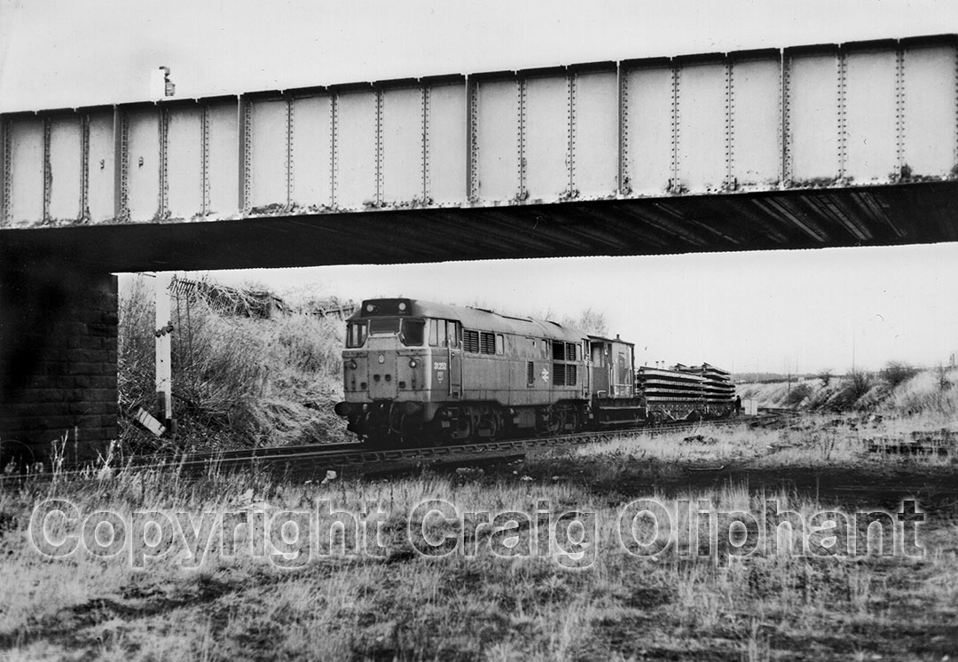 31252 with a train of track panels from the line to Washington. Photo Copyright Craig Oliphant