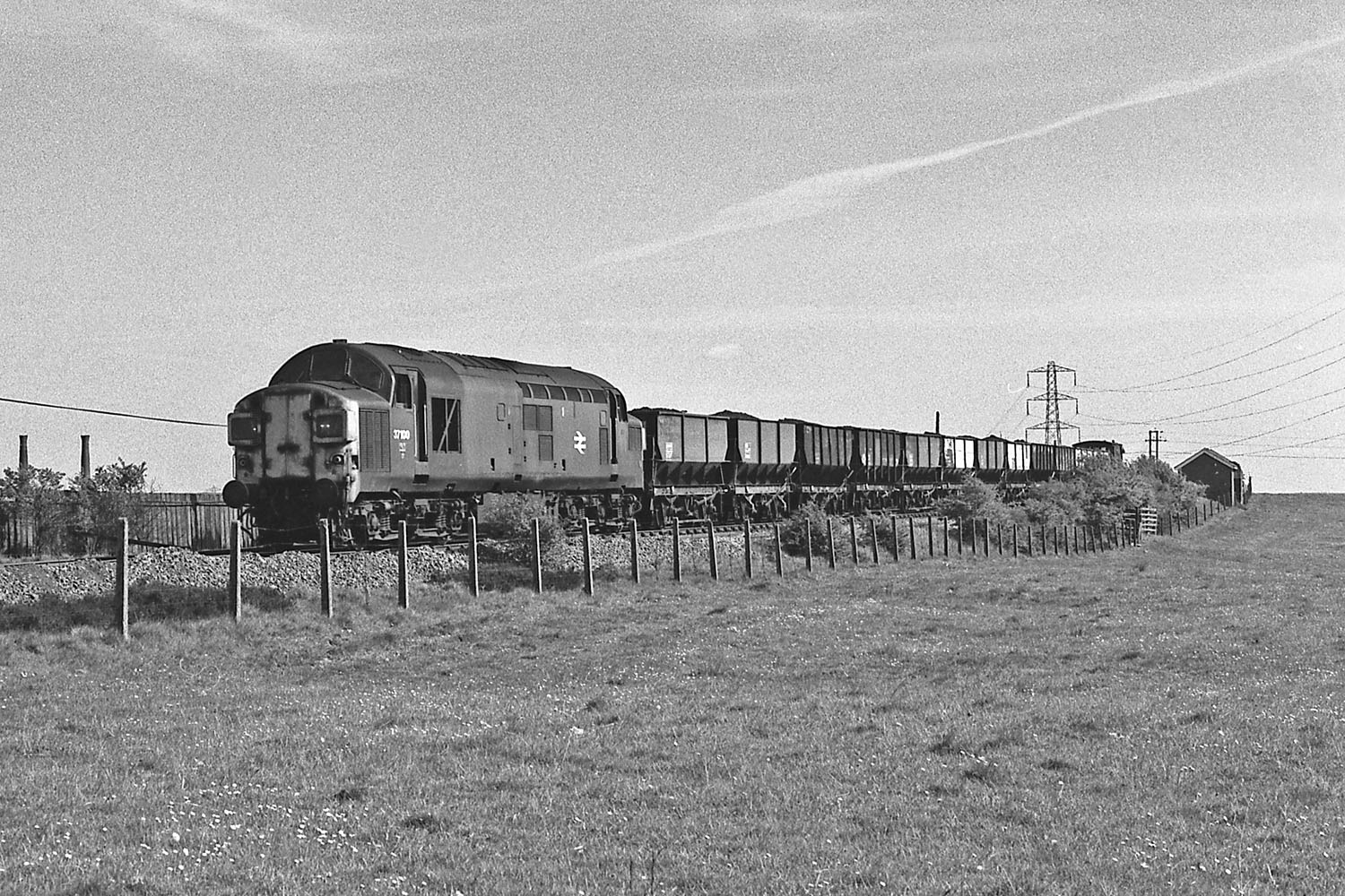 37100 passes Greencroft with a train of 21T wagons on 31 May 1977. Photo copyright Stephen McGahon